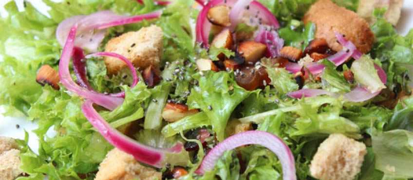 Ensalada de almendras y vegetales