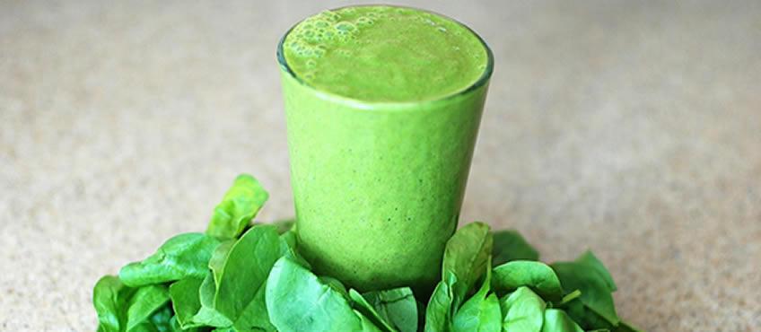 Jugos verdes más raciones de vegetales al dia