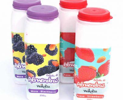 Bebida de almendras de mora y fresa pack